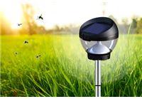 דיל יומי: הפנס הסולארי המושלם 3 ב-1 גם עמוד תאורה מעוצב ואיכותי, גם מנורת שולחן וגם מרחיק יתושים! 5 נורות לד בכל פנס!