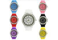 שעון יד אלגנטי עם רצועה ספורטיבית לנשים