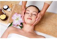 טיפול פנים לכל סוגי העור + פילינג מסכות  +סידור גבות + מסג' לעור הפנים
