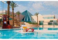 הזדמנות נפלאה לחופשה במלון מגי'ק סאנרייז אילת ב-50% הנחה!