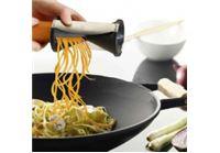 בואו תוסיפו קצת יצירתיות למנה העיקרית...קוצץ ספירלה מתכתילעיצוב דקורטיבישל ירקות ורצועות פסטה !