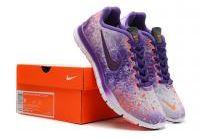 בואי תנסי אותן !!!נעלי הריצה של נייק פרי5.0לנשיםמדגםTr Fit Prt 3המציג הדפס אופנתיבוהקוחי !