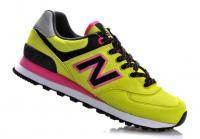 נעלי אופנהNEW BALANCEדגם 574המציגפרינטים קולים ועדכנייםיחד עםנוחות ממכרת !