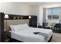 חופשה שקטה ושלווה במלון מקסים לאונרדו בוטיק רחובות  ב-50% הנחה!