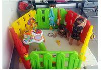 התינוקות בסביבה מוגנת! מתחם פעילות ענק