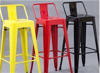 כסא בר יוקרתי עשוי מתכת בעיצוב מודרני
