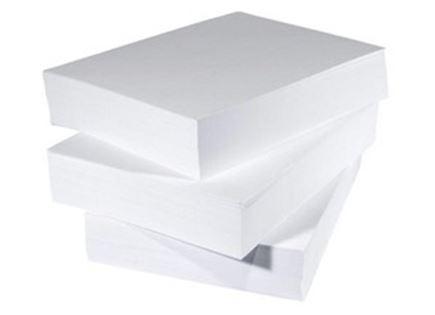 שלוש חבילות נייר A4