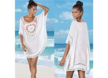 שמלת חוף קצרה עם עיטור סרוג
