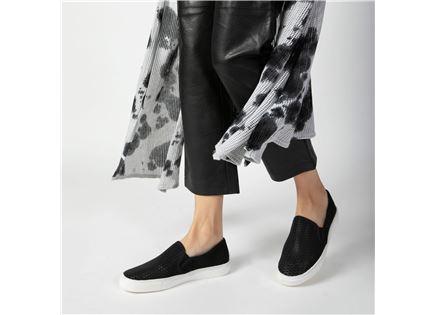 Seventy Nine - נעלי סליפ-און בצבע שחור ב