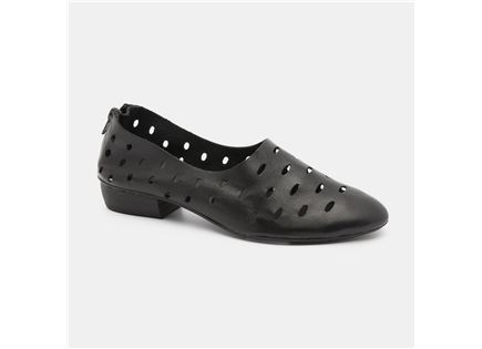 Seventy Nine - נעלי עקב נמוך בצבע שחור ב