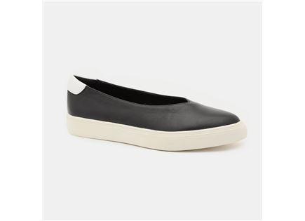 Seventy Nine - נעלי סניקרס עור בצבע שחור במבצע